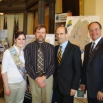 Alyssa Duron and dad Robert meet Governor